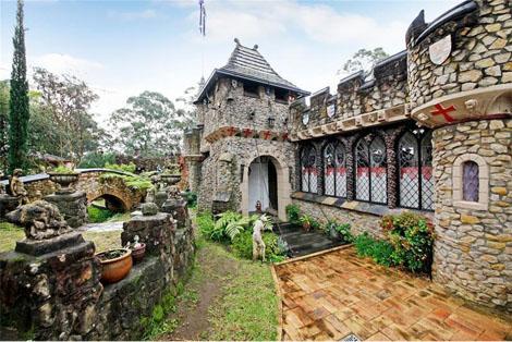 leumeah castle   Medieval Archives